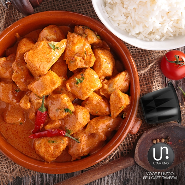 Frango ao Curry e Café Utam Uno Gourmet